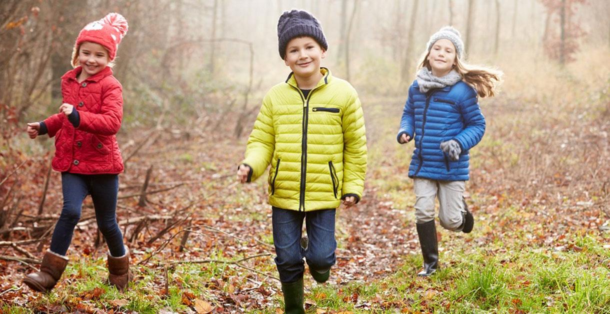 Aktiviteter i naturen: Forkæl børnene med sjove lege