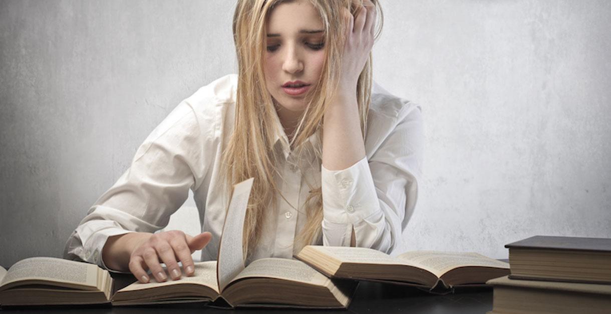 Lektier og motivation: Sådan driver du dig selv til lektielæsningen